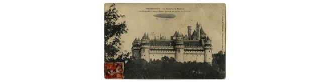 Post Card - Pierrefonds - Le Féodal et le Moderne